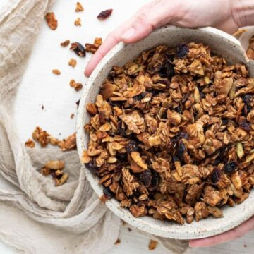 Crunchy Granola Recipe with maple syrup and honey