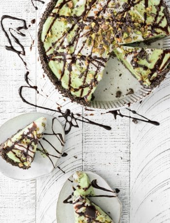 pistachio ice cream pie with chocolate drizzle and quinoa crust