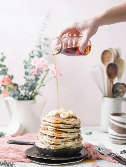 vegan banana pancakes with syrup