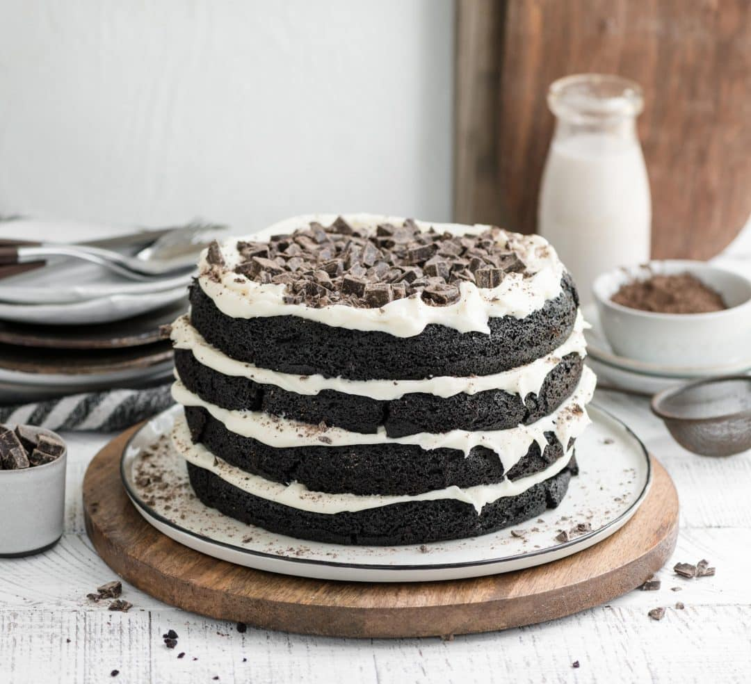 mocha latte cake topped with chocolate