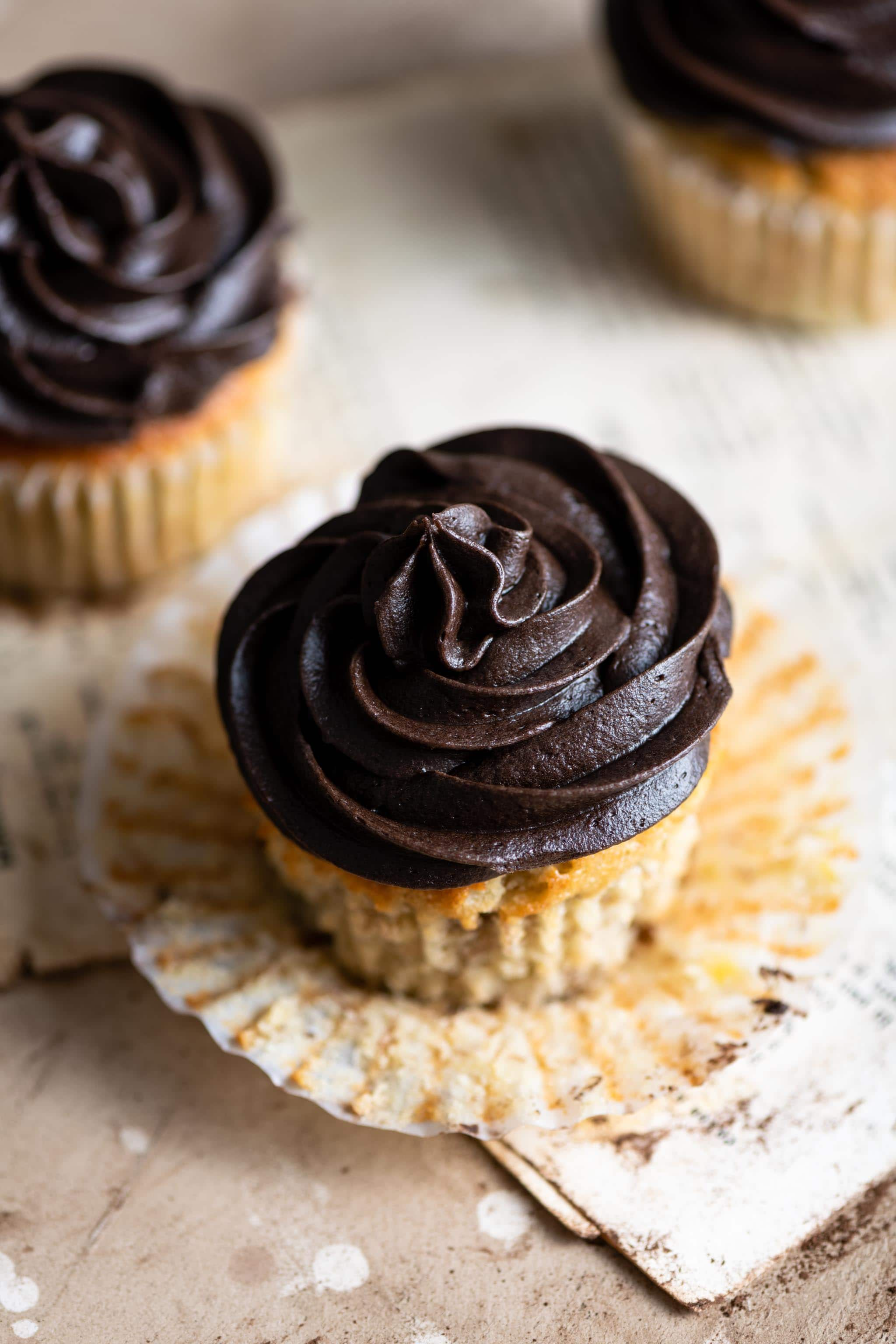 Banana Cupcakes with Chocolate Buttercream Frosting