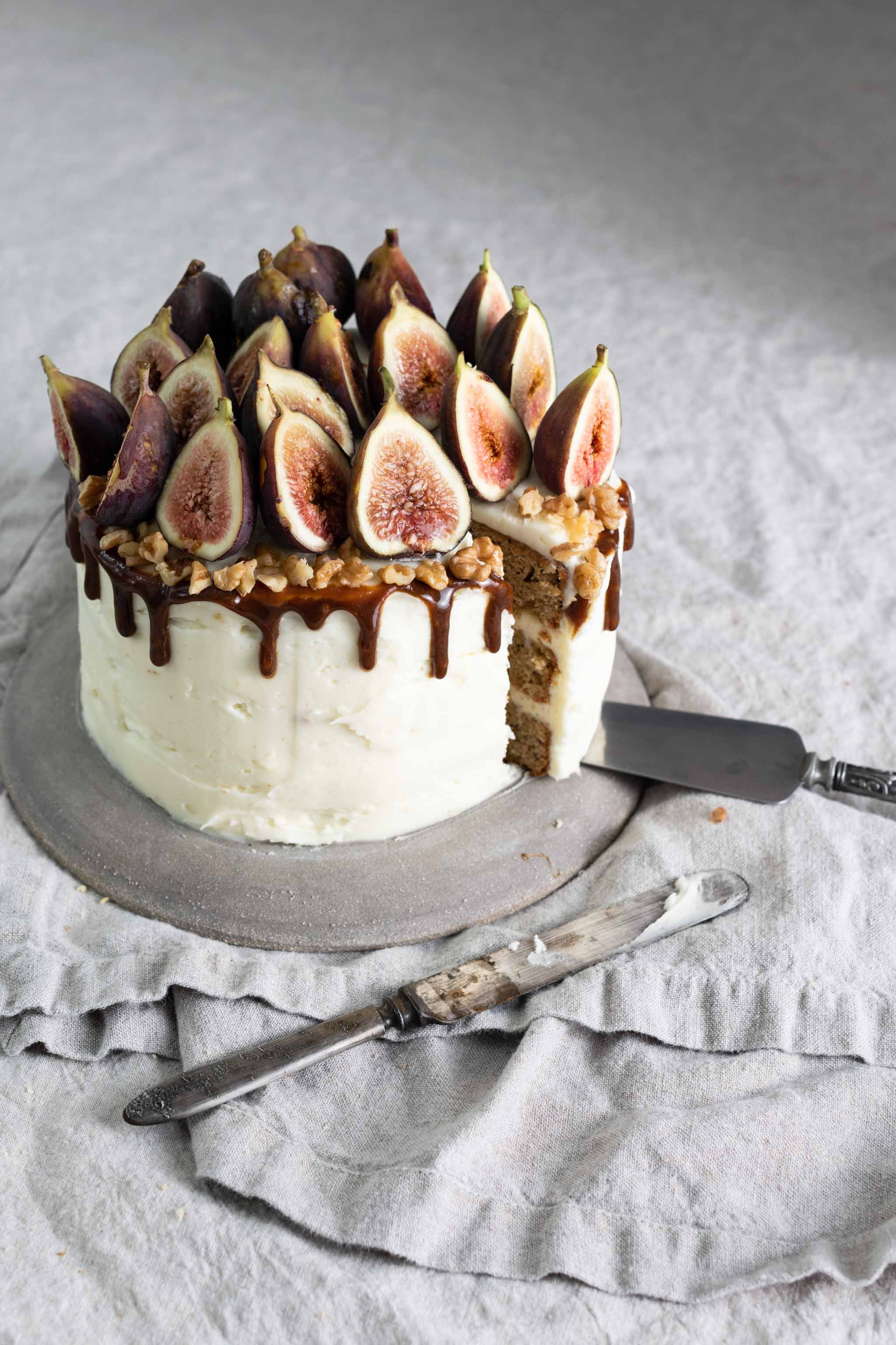 Chai Tea Cake with apples and figs