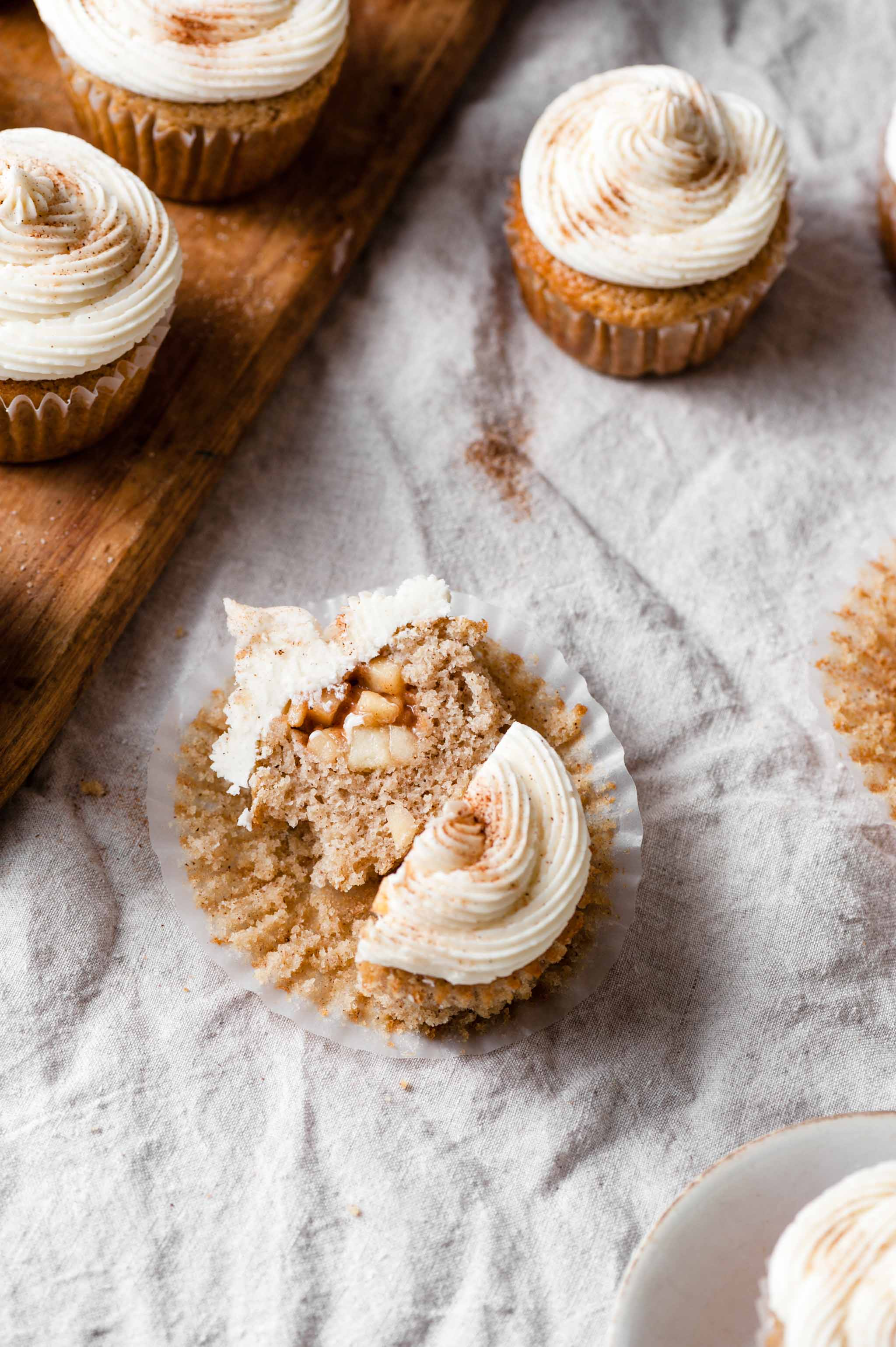 Apple Pie Cupcakes with Apple Pie Filling