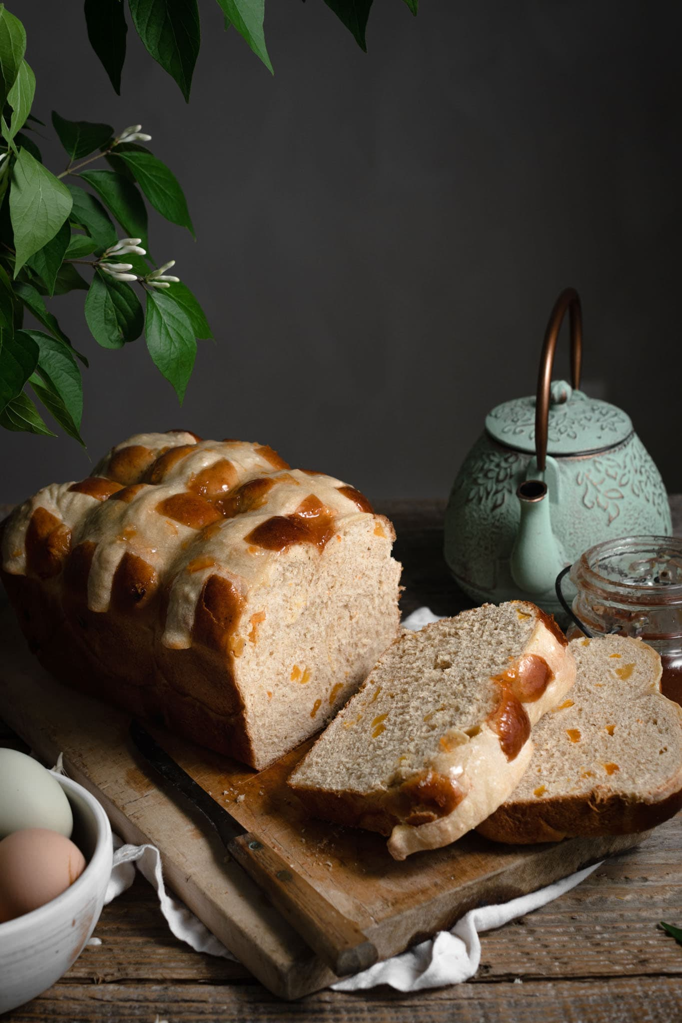 Sliced apricot bread with tea.